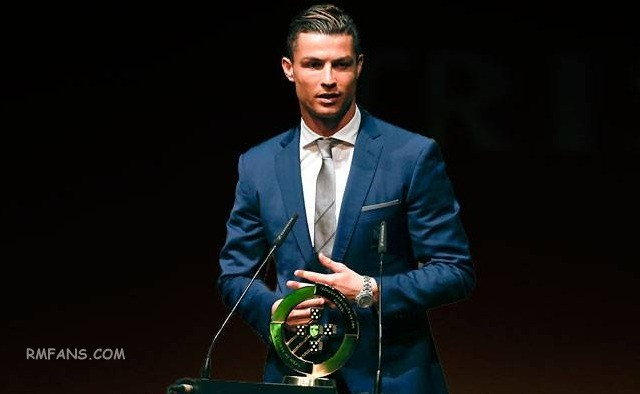 """克里斯蒂亚诺·罗纳尔多被提名为2017葡萄牙年度最佳球员"""""""