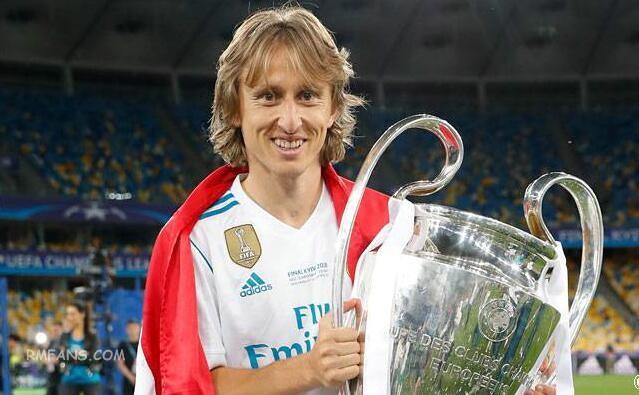 莫德里奇、C罗和萨拉赫被提名UEFA年度最佳球员
