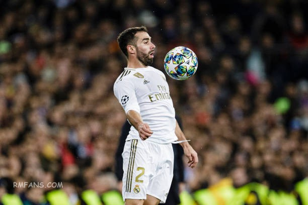 daniel-carvajal-of-real-madrid-controls-the-ball-during-the-uefa-a-picture-id118.jpg