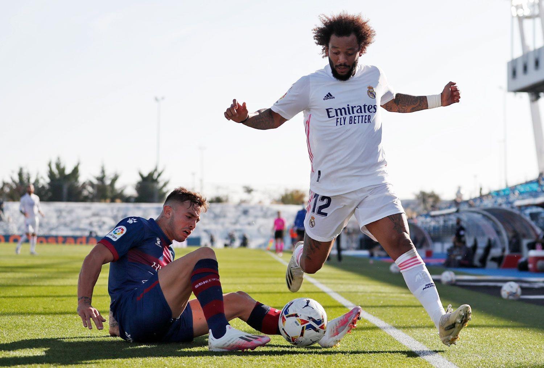 """组图 西甲第八轮 皇家马德里4-1韦斯卡"""""""
